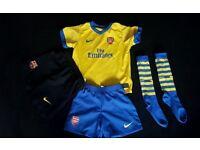Official Nike Arsenal football kit - socks, top, shorts 3-4 years + FCB shorts