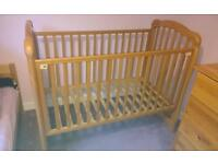 Cossatto cot in great condition!