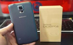 Samsung Galaxy S5, 16 GB, Unlocked, BLACK_WHITE, Good Condition, Comes with warranty, Give Away Price