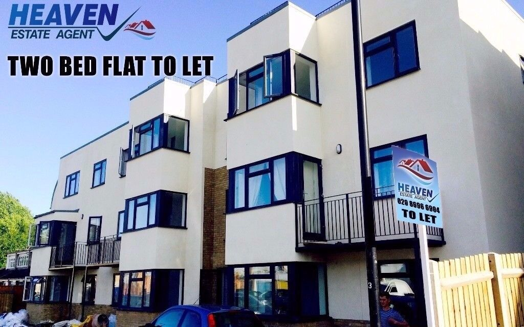 Two Bedroom Flat in Strathmore Road in Croydon