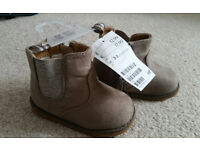 Brand new baby girl H&M Boots in size 2-3
