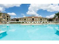 ORLANDO Florida. Beautiful 3 bedroom, poolside apartment near attractions & shopping