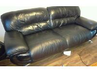 Sofa 2 3 seater plus puffy black leather