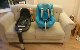 2 way Maxi-cosi pearl car seat