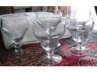 FIVE ANTIQUE GLASSES. NO CHIPS OR DAMAGE.
