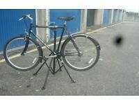 Bike maintanance stand