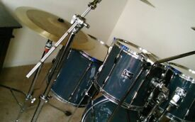 Pearl 5 piece drumkit with heavy duty stands BLUE (GIG READY)