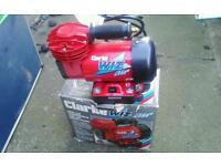 Airbrush and compressor set