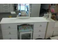 Stunning dressing table with mirror and stool