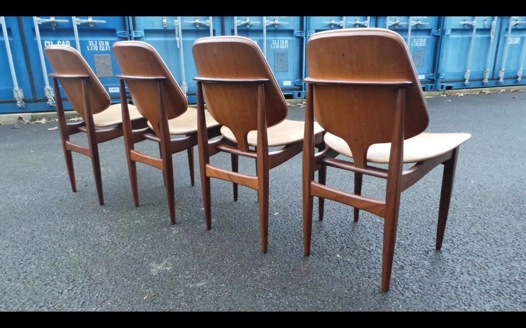 Mid Century' Elliots of Newbury (EoN) Chairs Immaculate With Table,Can deliver