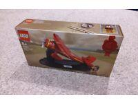 Brand New Sealed Lego Amelia Earhart Tribute GWP AirPlane Aeroplane red Lockheed Vega Plane 40450