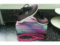 Skechers Memory Foam Gel-Infused Size 4 Trainers