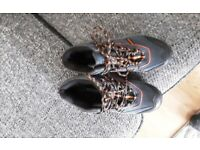 Brand New Unisex Mounty Walking Boots Size 5/38