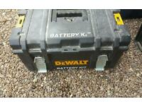 Ds300 dewalt toughsystem tool box