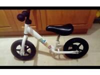 "Halfords Indi Adapt Balance Bike - 10"""