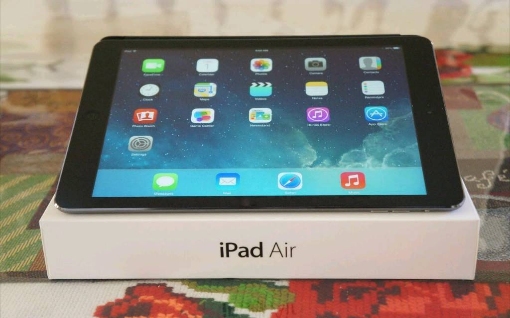 iPad air 16gb wifiin Southampton, HampshireGumtree - iPad air 16gb wifi excellent condition,Comes with zip case and kick stand case