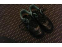 Nike Football Boots-size 5