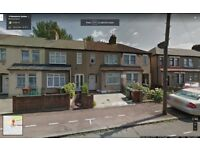BEAUTIFUL 3 BEDROOM HOUSE TO LET IN BARKING MINS FROM BARKING TRAIN STATION!!! GOOD PART/DSS WELCOME