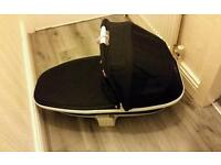 Quinny moodd black irony carrycot and adaptors