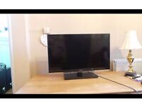"""TOSHIBA 32"""" Internet 100Hz HD LED TV,Possible Local Delivery"""