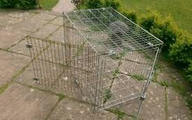 LARGE DOG/ANIMAL CRATE/CAGE.