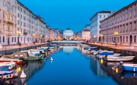 Luxury NEW 4-bedroom apartment near Venice (City of Trieste just 3 min. from the sea)