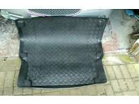 Boot liner for e class merc
