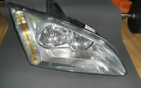 Pair Head lights focus mk2 very good condition pair