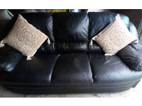 BLACK LEATHER 3 SEATER AND 2 SEATER SOFAS NICE AND COMFY VIEWING WELCOME