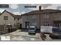 BEAUTIFUL 3/4 BEDROOM HOUSE READY TO MOVE IN BARKING (IG11) MINS FROM STATIONM GOOD PART/DSS WELCOM
