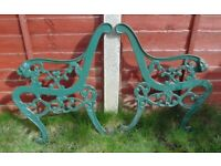 (#720) vintage pair of garden cast iron bench ends (Pick up only, Dy4 area)