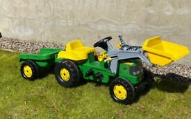 John Deere Ride On Pedal Tractor with Frontloader & Trailer