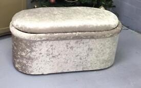 """Crushed silver bedding box 40"""" x 18"""""""