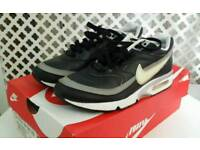 Size 5 Nike airs trainers with box