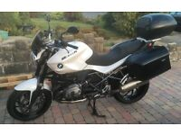 BMW R1200R 2014 MODEL. MILEAGE 5200. MOT'D + SERVICED 3/6/17. 1 OWNER. EX CONDITION. IMMOBILISER