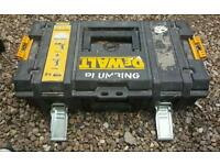 Ds150 dewalt toughsystem tool box