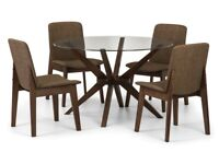 Chelsea round table and 4 walunt retro chairs. New.