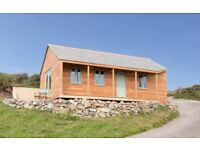 Gull Rock Cabin - Sleeps 2 - Dog Friendly - Cornwall in October