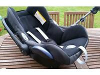 Maxi Cosi chair with Easy Base