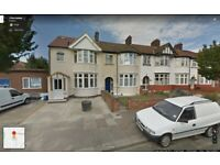 Beautiful 2 bedroom first floor flat ready to move in chadwell-heath romford (rm6)