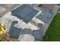 Set of orginal land rover mat to fit discovery 3