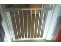 Lindam stair gate approximately 75 cm