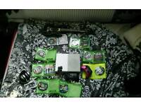 Xbox one s 1 tb 2 pads 9 games guitar hero bundle