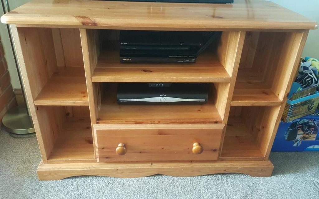 Pine TV Corner unitin Holt, NorfolkGumtree - Pine corner unit. 90cm wide x 62cm high. Overall good condition although does have small marks due to the soft nature of pine. Please text if possible as I do not always receive emails.Collection Little Barningham ( NR117NJ)