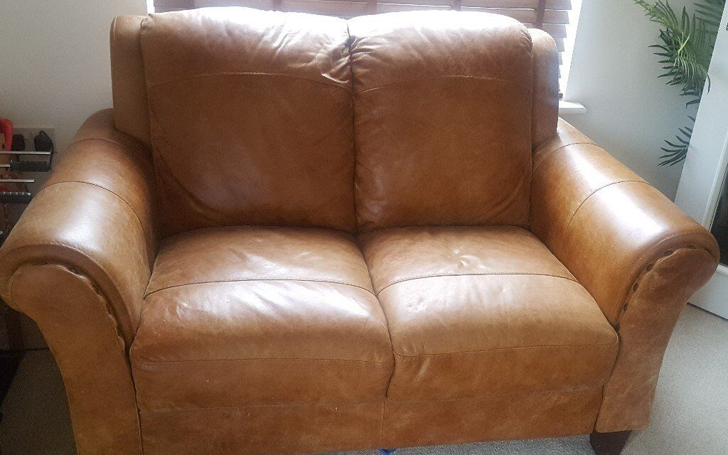 Perfect DFS Peyton Ranch 2 Seater Leather Sofa For Sale   Bargain Price £150