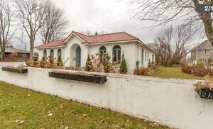Corner Lot for sale 9500 ft.² Dorval with water access