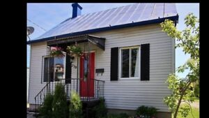 4 bed 2 bath detached house for rent