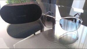 Lunettes de soleil Tom Ford modèle Charles avec étui rigide!