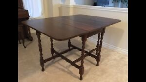 Drop leaf maple table