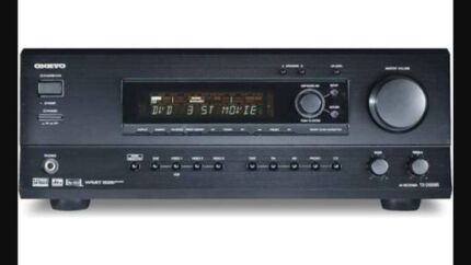 MUST SELL-Onkyo 5.1 receiver & welling 10'sub